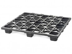 Top of Plastic Skid SKIDS-530 - nestable plastic pallet in special size for the automotive industry.